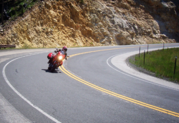 motorcycle cornering posture