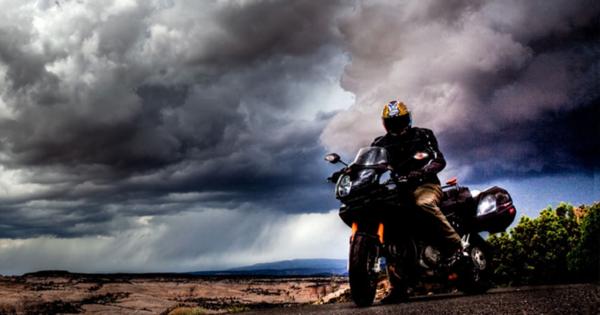 Suomy Spec 1R Motorcycle Helmet