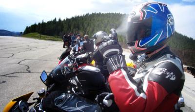 Clean motorcycle visor faceshield