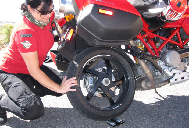 Wheel Jockey Roadside Chain Maintenance